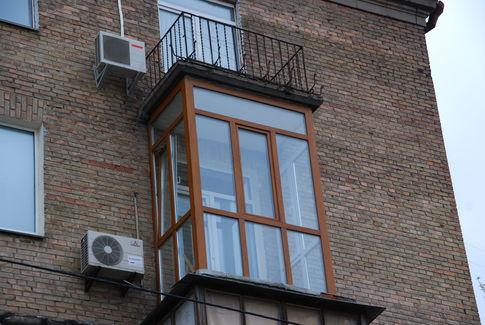 francuzskiy_balkon_okonnyy_centr