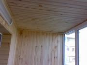 Балкон под ключ в Запорожье. Внутренняя обшивка деревянной вагонкой