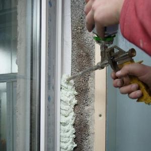 Особенности монтажа металлопластиковых окон