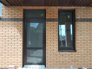 Металопластикові двері вхідної групи